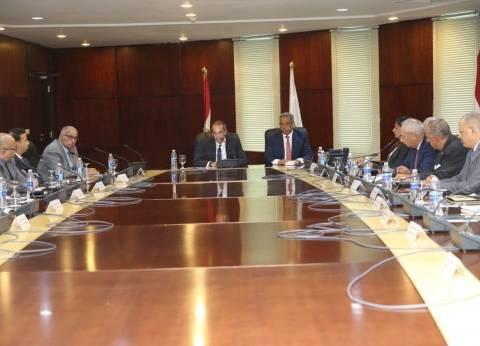 وزير الاتصالات يترأس الاجتماع الأول لمجلس إدارة البريد بتشكيله الجديد