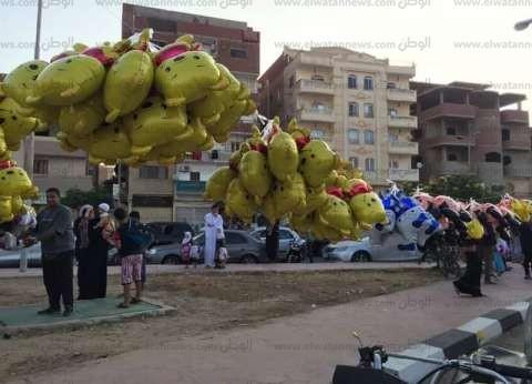 """""""محمد"""" بائع عرائس أطفال: """"اللي ببيعه في العيد بيساوي دخل السنة كلها"""""""