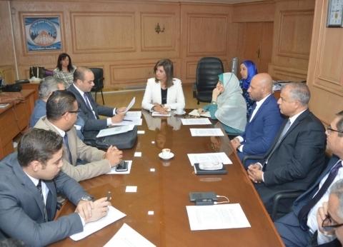 """""""مكرم"""": بدء حصر بيانات المصريين بالخارج من الجوازات والسجل المدني"""