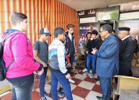 مدير أمن الإسماعيلية ينبه على أصحاب المقاهي بعدم استقبال طلاب المدارس
