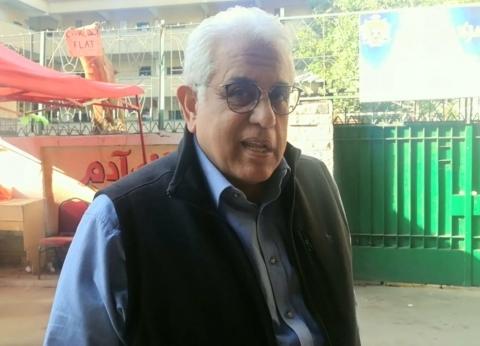 """حسام بدراوي يدلي بصوته في التعديلات الدستورية بـ""""الزمالك القومية"""""""