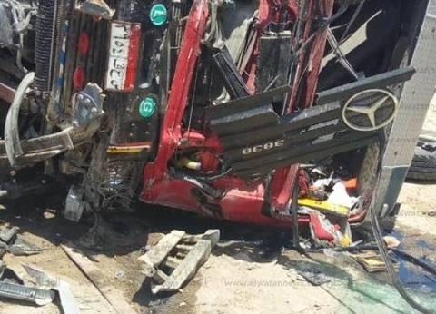 مصرع 5 أشخاص وإصابة 10 في حادث انقلاب سيارة ميكروباص بقنا