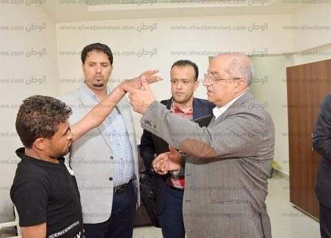 بالصور| رئيس جامعة أسيوط يترأس فريقا طبيا لعلاج 11 جنديا يمنيا