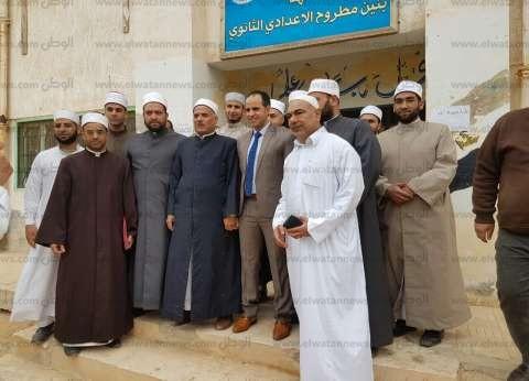"""شيوخ الأزهر يدلون بأصواتهم في """"المعهد الديني"""" بمطروح"""