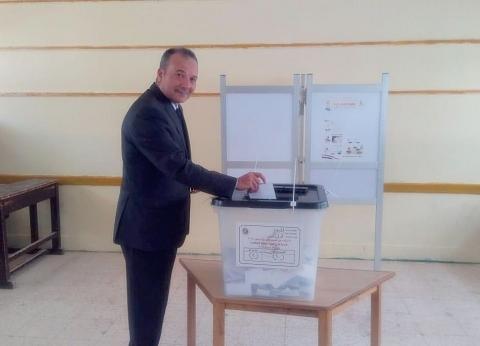 مساعد وزير الداخلية يدلي بصوته في الاستفتاء: التعديلات الدستورية ضرورة