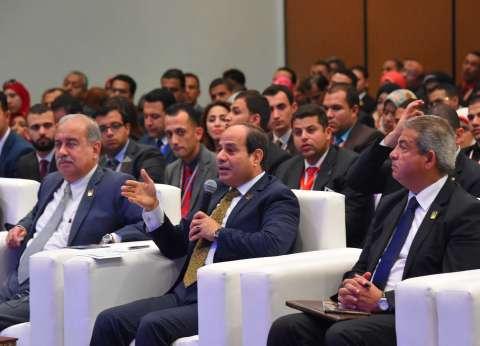 «السيسى» للإعلاميين: «إنتو بتضروا مصر من غير ما تقصدوا.. وهتتحاسبوا أمام الله»