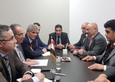 """وزير """"الاتصالات"""" يناقش مع """"البنك الدولي"""" زيادة الصادرات"""