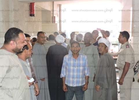 إضراب عمال مصنع التغذية المدرسية في المنيا للمطالبة بالتثبيت
