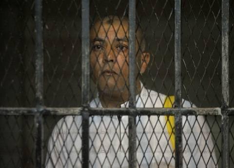إيداع محافظ المنوفية السابق المتهم بالرشوة قفص الاتهام
