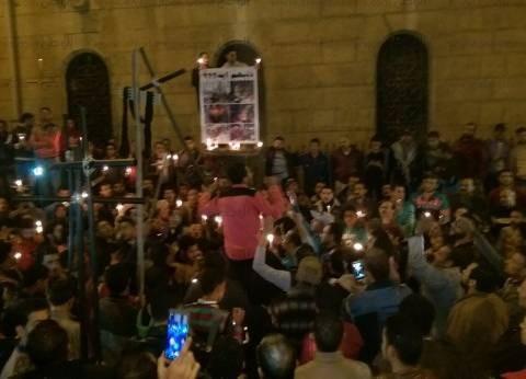 متظاهرون بجوار الكاتدرائية يعتدون على محافظ القاهرة