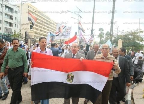 محافظ كفر الشيخ يدعو الأهالي للمشاركة بالاستفتاء في مسيرة
