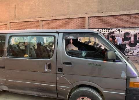 """""""المرور"""" ترفع ميكروباص الضابط شهيد النزهة من شارع طه حسين"""