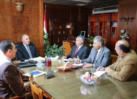 وزير الري يناقش خطة حماية نهر النيل وصيانة الترع الصغيرة