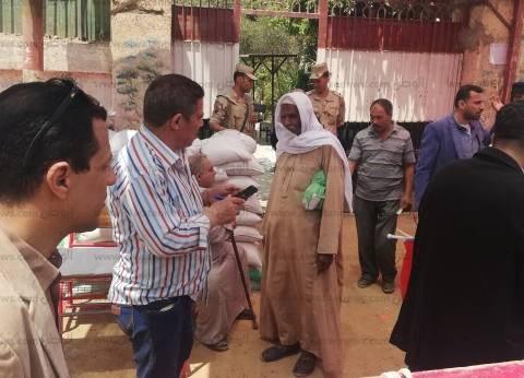 إقبال على لجان شبرا الخيمة بالاستفتاء.. ومكبرات صوت للأغاني الوطنية
