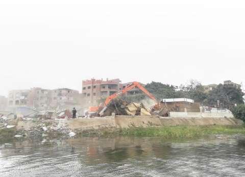 إزالة تعديات قاعات الأفراح على النيل بالجيزة