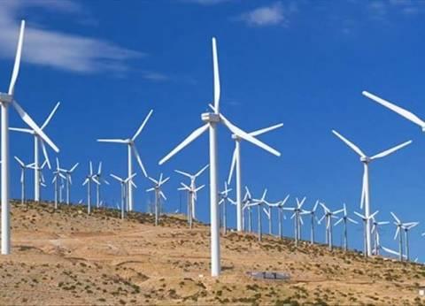 الرئيس يفتتح أكبر محطة لطاقة الرياح بجبل الزيت في البحر الأحمر