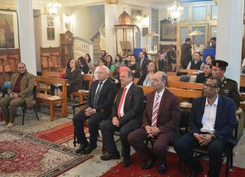 محافظ بورسعيد يزور الكنائس ويقدم التهنئة للأقباط في عيد القيامة