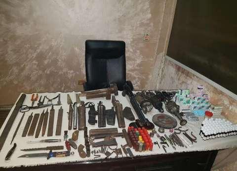 النيابة تقرر حبس مقاول بتهمة الإتجار في الأسلحة النارية ببولاق الدكرور