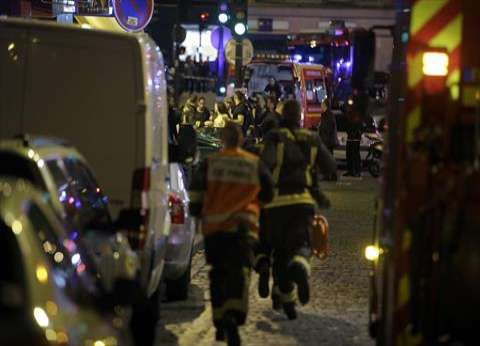 بالفيديو| لحظة اقتحام الشرطة الفرنسية موقع احتجاز الرهائن في باريس