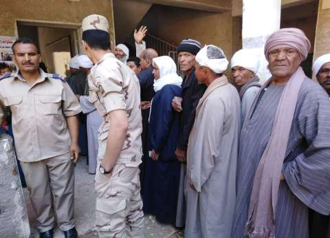 إقبال كثيف في قرى سوهاج للاستفتاء على التعديلات الدستورية