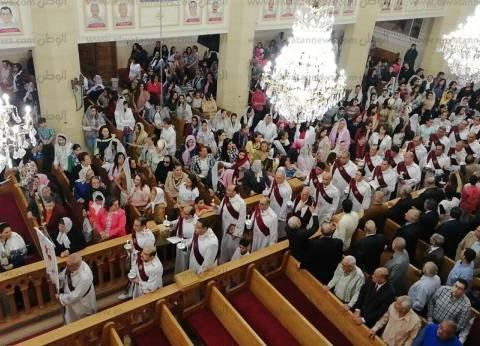 بالصور| بدء صلوات قداس القيامة المجيد في كنيسة مار رجس بطنطا