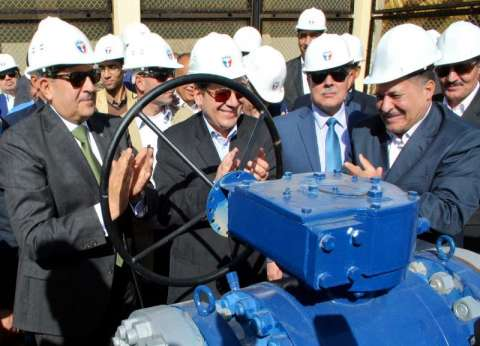 وزير البترول يفتتح خط أنابيب غاز البوتاجاز في سوهاج