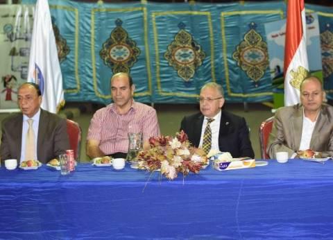 """رئيس """"شرب القليوبية"""" يطالب فرع القناطر بتفعيل غرامة إهدار المياه"""