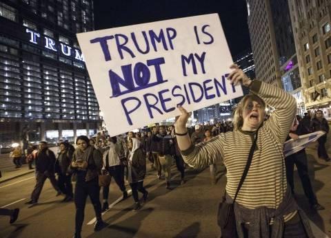 «ترامب» يبحث تسلُّم السلطة مع «أوباما».. والآلاف يتظاهرون ضد وصوله لـ«البيت الأبيض»