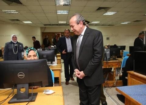 محافظ كفر الشيخ يتابع الاختبارات النهائية لوظائف التعليم المؤقتة