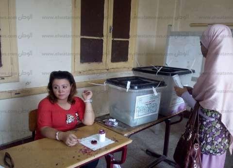 مرشح يحرر محضرا ضد مدير مدرسة في السويس يوجه الناخبين
