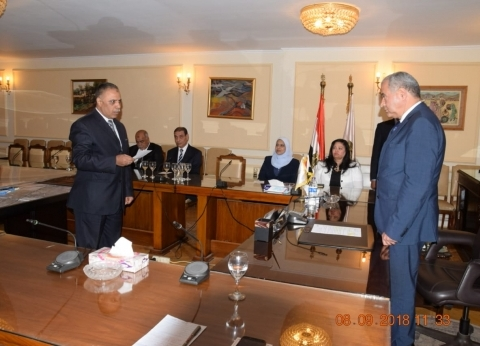 بالصور  وزير التموين يشهد أداء اليمين لـ6 قيادات جدد بالوزارة