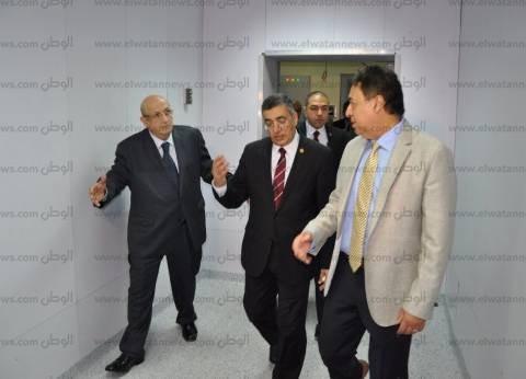 """وزير الصحة يعلن """"ميكنة"""" العمل بالإدارة المركزية للصيدلة"""