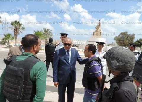 """""""أمن مطروح"""" يفحص 52 مواطنا سياسيا في حملة بالساحل الشمالي"""