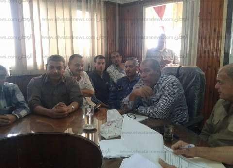 بالصور| رئيس مدينة فوه يوجه بحل مشاكل المواطنين خلال اللقاء الجماهيري