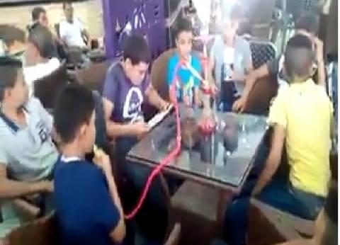 نقل رئيس مدينة طهطا بعد فيديو تدخين الأطفال الشيشة.. وغلق المقهى