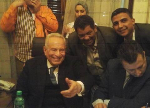 """أنصار أبوشقة يهتفون: """"وفديين وفديين من بدراوي لبهاء الدين"""""""