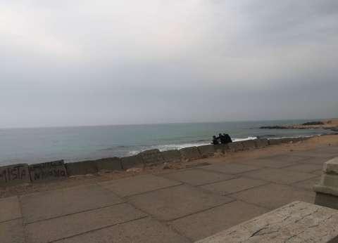 طقس غير مستقر يخيم على الإسكندرية.. والمحافظة تعلن الطوارئ