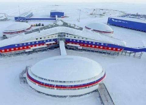 ركاب طائرة أمريكية ينجون من التجمد بالقرب من القطب الشمالي