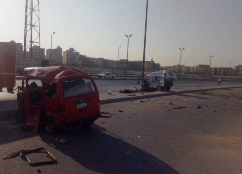 """وفاة مواطن وإصابة 3 في اشتعال سيارة نقل بطريق """"القاهرة - الإسكندرية"""""""