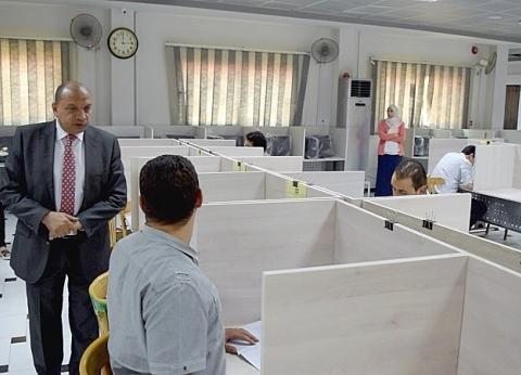 رئيس جامعة بني سويف يتفقد لجان الامتحانات وأعمال الكنترول