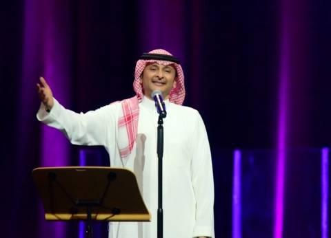 عبدالمجيد عبدالله يوجّه الشكر للجمهور بعد حفله الأخير في الكويت