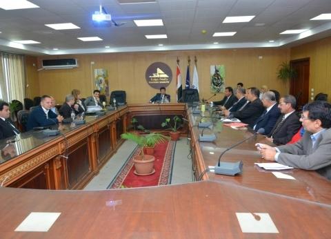 """رئيس جامعة دمياط يستقبل خبراء وحدة إدارة المشروعات بـ""""التعليم العالي"""""""