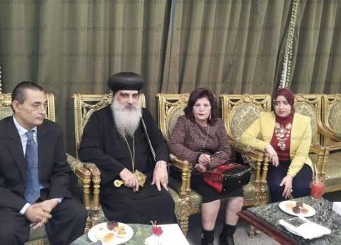 """أعضاء """"مستقبل وطن"""" و""""علشان تبنيها"""" بقنا يهنئون الأقباط بعيد الميلاد"""