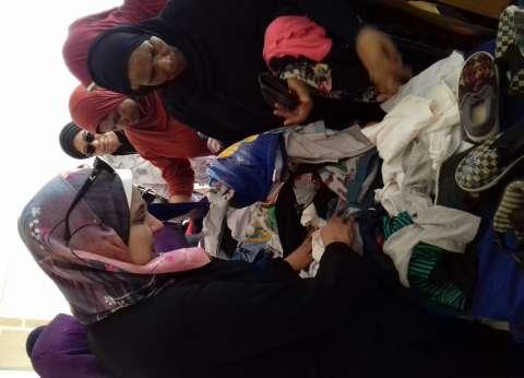 معرض خيري للملابس بمدينة بشاير الخير في الإسكندرية