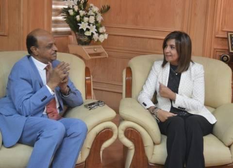 وزيرة الهجرة تلتقي الأمين العام لجهاز تنظيم شؤون السودانيين بالخارج
