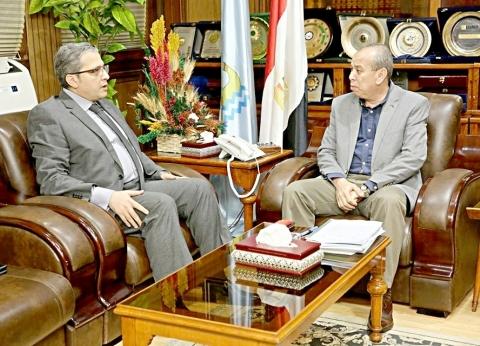 محافظ كفر الشيخ يبحث سبل مواجهة الفساد المالي مع الرقابة الإدارية