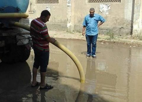 بالصور| حل مشكلة الصرف الصحي في قرية العنانيةبدمياط