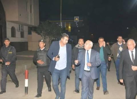 محافظ بورسعيد يتفقد الأوضاع الأمنية بمحيط الكنائس