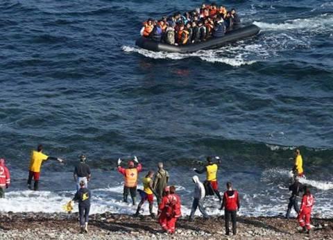 """قوارب """"الهجرة السرية"""" تفاجئ المصطافين على شاطئ قادش في إسبانيا"""