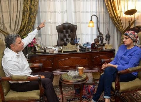 نجاد البرعى: أتمنى ألا يوافق «السيسى» على قانون الجمعيات.. وجميع الأموال التى تقدم للمنظمات والجمعيات تدخل مصر عن طريق بنوك